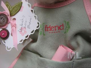 100106-apron-close-up