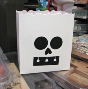 skeleton-fancy favor box-spiral-punch