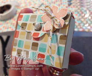 Scallop Tag Topper Punch: Retro Fresh Post it Note Purse from LovenStamps