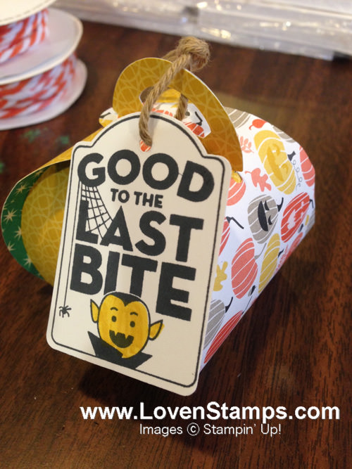 A simple Halloween treat by LovenStamps, using the Curvy Keepsake Framelits and Merry Everything from Stampin' Up!